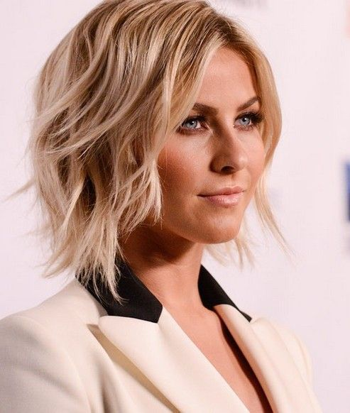 Shag bob haircut is super flattering for fine hair. Thanks to the disconnected ends showing off their rebellious spirit, this cute wavy blonde hairstyle is not overly sweet but very stylish and on-trend. The play of highlights and downlights is flawless.