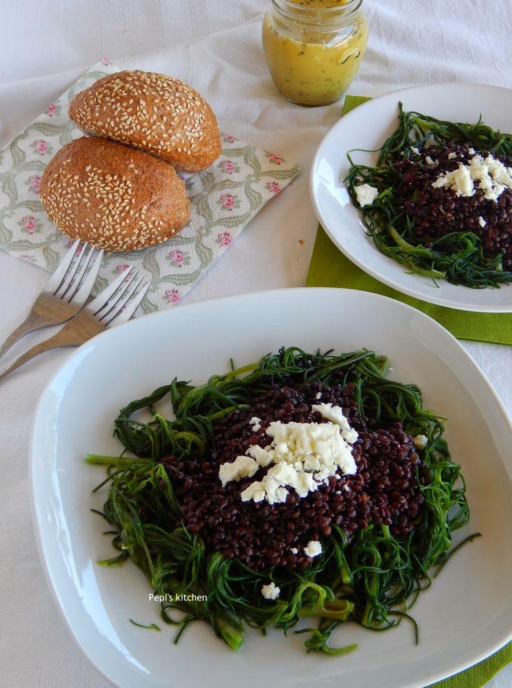 Σαλάτα με Φάκες Μπελούγκα και Αλμύρα http://pepiskitchen.blogspot.gr/2014/06/salata-fakes-beluga-almyra.html