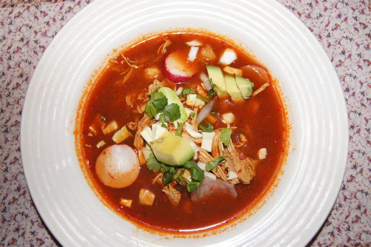 Pozole Rojo de Pollo - Receta Saludable | La Cocina Saludable