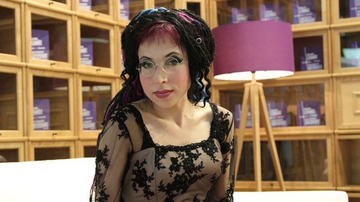 Sofi Oksanen (born January 7, 1977), Finnish contemporary writer. She's considered one of the most prominent contemporary authors of her generation as well as a global literary phenomenon. She was born in Jyväskylä. Her father is Finnish and her mother is Estonian. -  http://en.wikipedia.org/wiki/Sofi_Oksanen  ||    http://www.mtv.fi/viihde/muut/artikkeli/sofi-oksanen-vetoaa-venajan-sananvapauden-puolesta/3044918