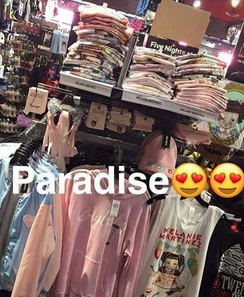 Is this at Hot Topic, because I might be going to the mall with my mom tomorrow for Mother's Day?!