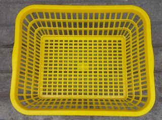 Selatan Jaya distributor barang plastik Surabaya: Keranjang plastik sortir ikan, piramid, keranjang ...