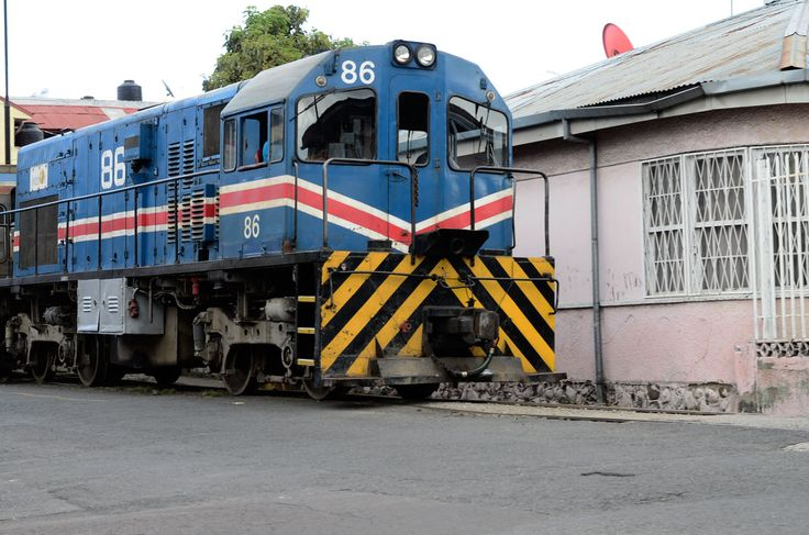 Usuarios presentan recurso por estado de la estación del tren en Heredia