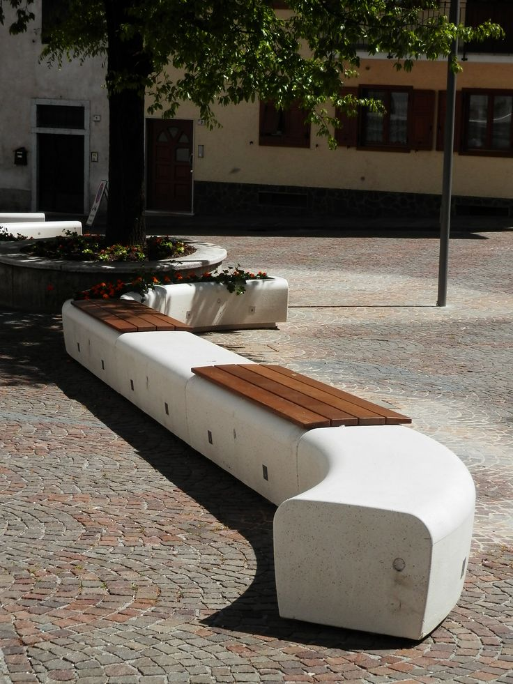 range with levelling system. very elegant street furniture solutions