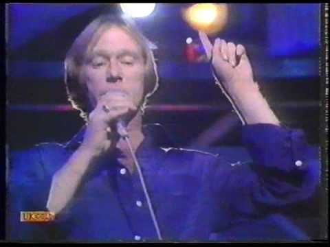 Dennis Waterman & The Dennis Waterman Band - I Could Be So Good For You (TOTP Performance)