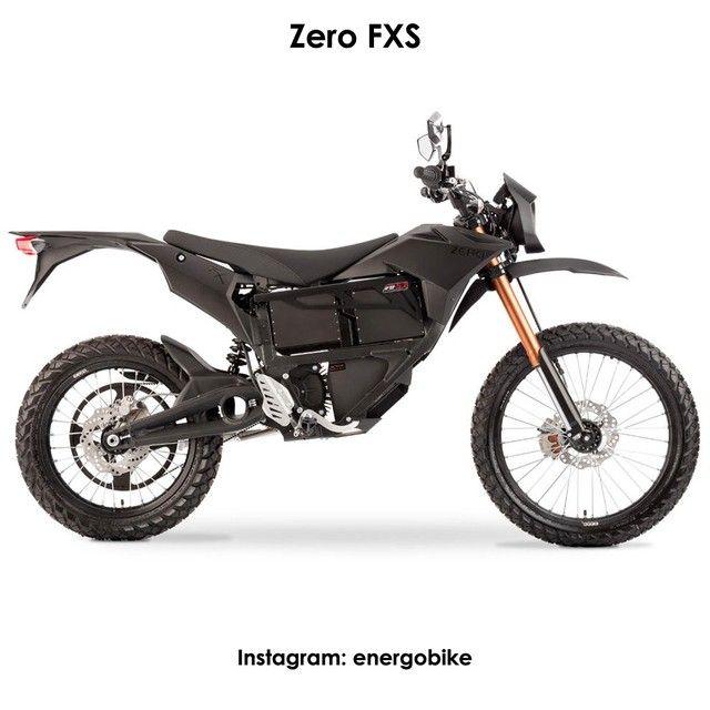 Zero FXS Электробайк Zero MMX, разработан по заказу американских сил специальных операций и отличается от аналогов способностью работать в самых суровых условиях. он может передвигаться практически бесшумно, выделяет очень мало тепла, а силовая установка работает, даже если мотоцикл полностью погружен под воду. Возможна быстрая зарядка, за 1 час, через специальный разъем CHAdeMO. Мотоцикл оснащен двигателем с крутящим моментом 92 Нм и может развить максимальную скорость 137 км/ч, что…