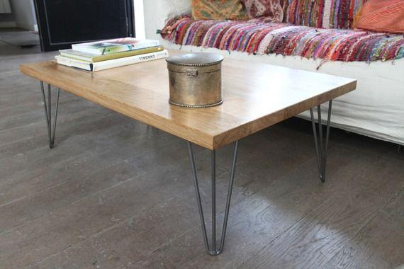 Table basse bois massif et pied épingle acier vernis