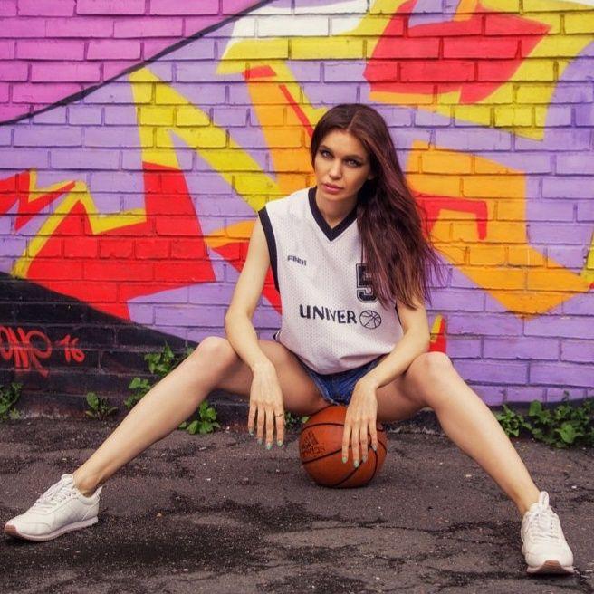 Maryana Dan model St. Petersburg, basketball set\graffiti