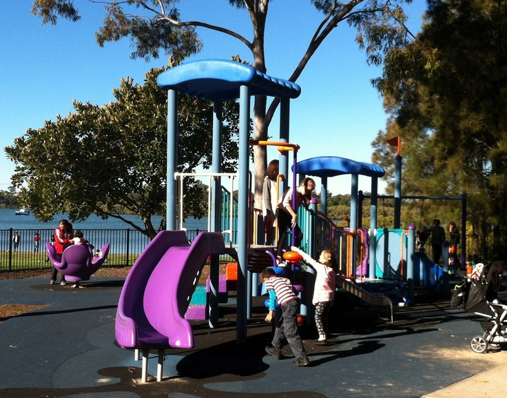 The Brays Bay Reserve (Rhodes) has two impressive play areas, one enclosed for the little ones and another one out in the open with a spider-net. It also has a little mini putt putt area, picnic shelters, BBQ & stunning water views!    Found on familyfunsydney.blogspot.com