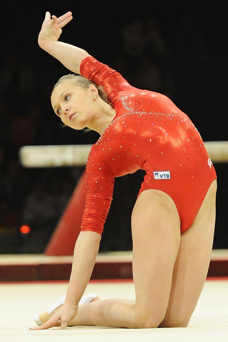 Image forward roll jpg gymnastics wiki - Daria Spiridonowa Beim Elite Gym Massilia In Frankreich Bericht Mit Weiteren Fotos Hier Http