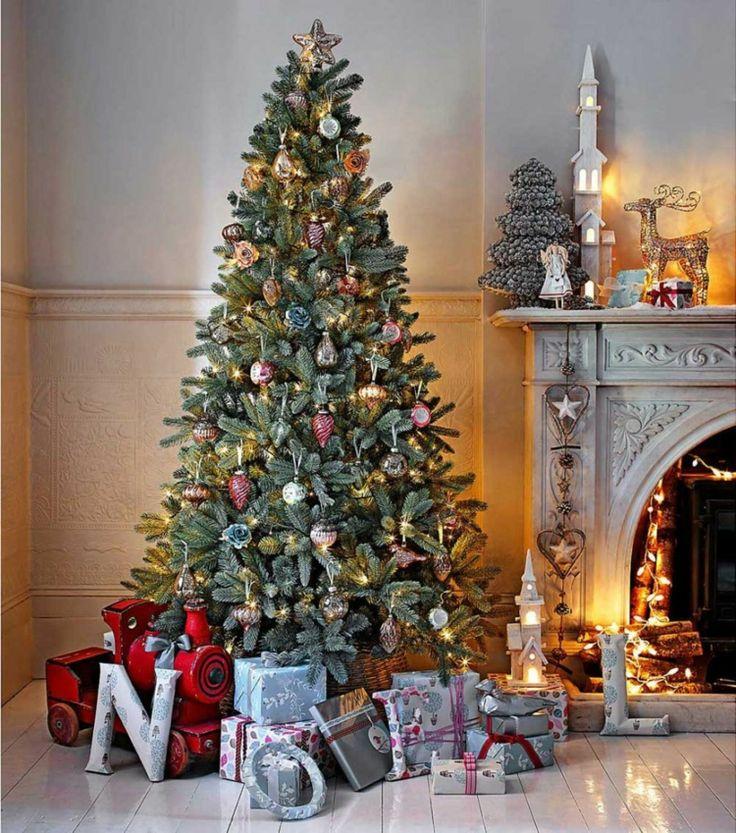 Weihnachtsbaum Festlich Schmücken Vintage Kamin Deko Schlicht