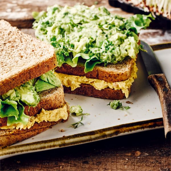 Zwischenmahlzeit oder Hauptgericht - Dieses Sandwich passt immer rein! #sandwich #avocado #forelle #edeka