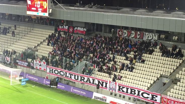 E: Cracovia - Korona Kielce. [Cracovia fans]. 2017-12-04