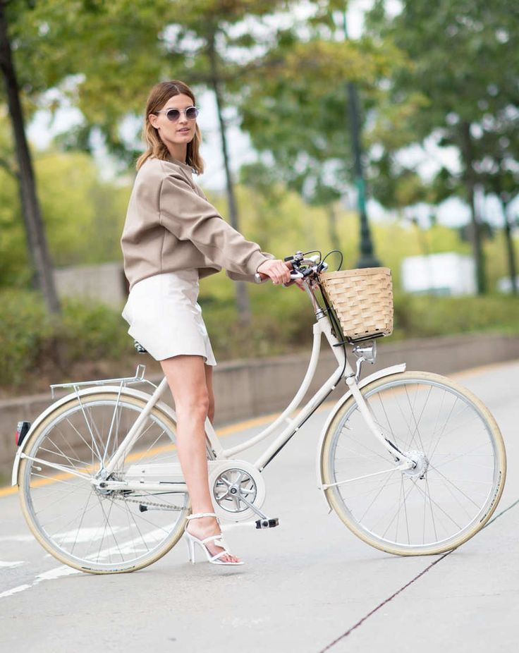 Hanneli Mustaparta We'd probably fall over or run into a car if we tried cycling with heels. But Hanneli looks so cute on a bike with her white stilettos, landing her just outside the top five.  Photo: YoungJun Koo/Youngjun Koo/I'M KOO