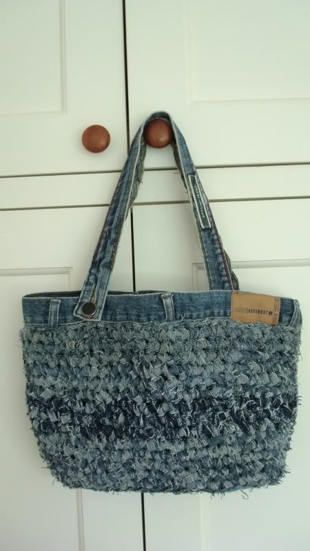 Recycled 2 pairs of jeans and a few buttons - Upcycled crocheted bag!