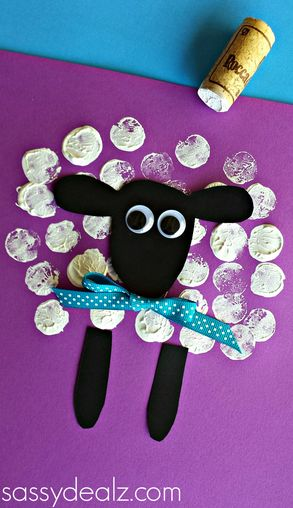 Schaap stempelen met een kurk / Wine Cork Sheep Craft for kids