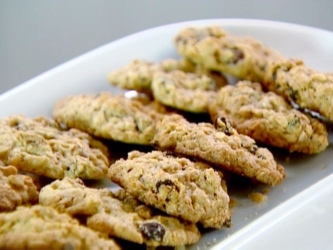 Raisin Pecan Oatmeal Cookies from FoodNetwork.com by Barefoot Contessa, i.e. Ina Garten make the dough into balls and freeze it and make them as you need. or make just the dry ingredients in a mason jar and write the directions + wet ingredients as a gift