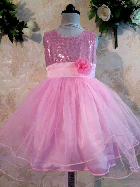 What an adorable Pink Doll birthday Frock! It is made with net skirt and satin, cotton underliner to get the best touch and fit. Sparkling sequin script is adorned on the bodice with a thin net on top to ensure that the little doll is comfortable to wear it. With layers of tulle, it is twirly full. Shop now : http://www.foreverkidz.in/Girls-Party-Wear/Pink-Cupcake-Birthday-Dress-id-2781879.html