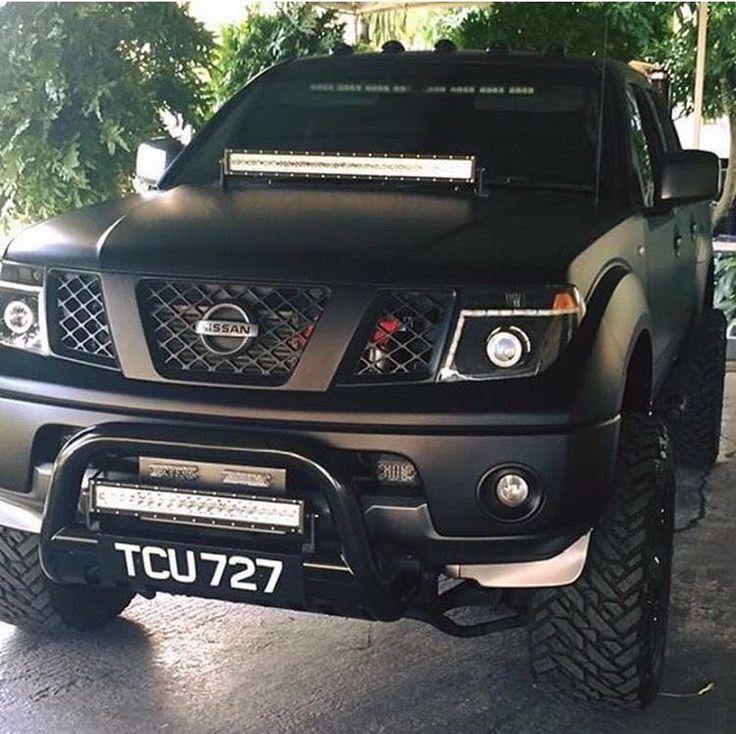 Nissan Navara Flat Black