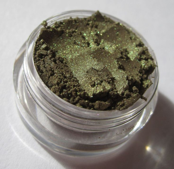 Bright Dark Green Mineral Eye Shadow - Hay Ride - pinned by pin4etsy.com