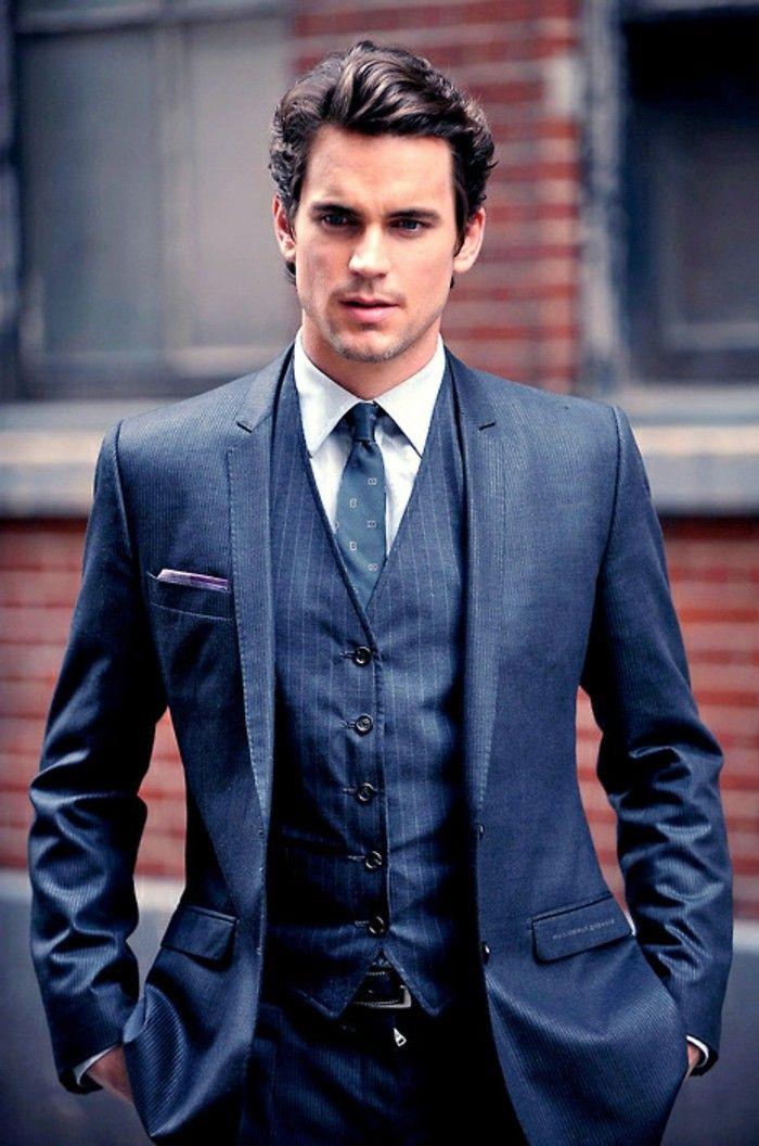 Il y a un noeud de cravate demi Windsor                                                                                                                                                                                 Plus