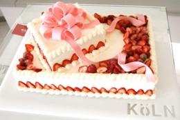 Anniversary Cake / ウェディングケーキ