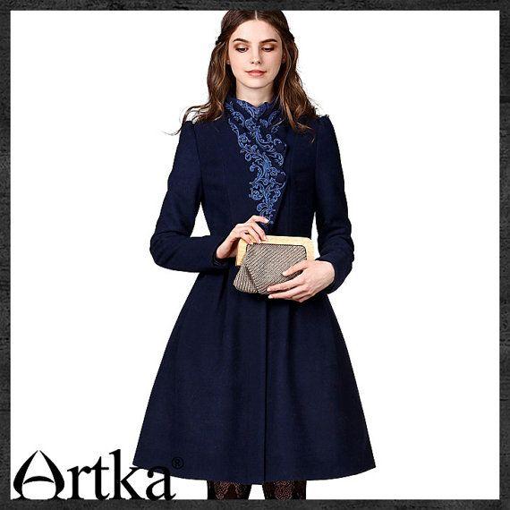 Women's Autumn New Vintage Elegant Embroidery Wool Coat Bi-layered Front-opening Cinch Waist Woolen Coat