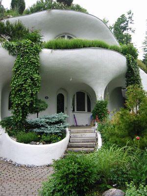 Cob home!Green roof                                                                                                                                                                                 Más                                                                                                                                                                                 Más