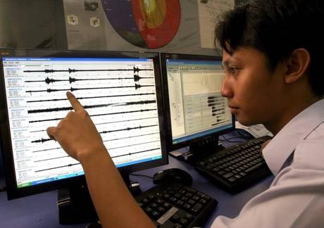 Indonesia: terremoto magnitudo 8,9, allarme tsunami.  Il sisma ha colpito la zona di Aceh, al largo della costa occidentale dell'Isola di Sumatra, in Indonesia. Il centro di allerta tsunami del pacifico ha lanciato l'allarme su un rischio di Tsunami.  Segui la notizia in diretta su PrimoItalia, nella sezione ANSA sul tuo Smart Tv, Smartphone e Tablet.   Quando vuoi tu, dove vuoi tu.