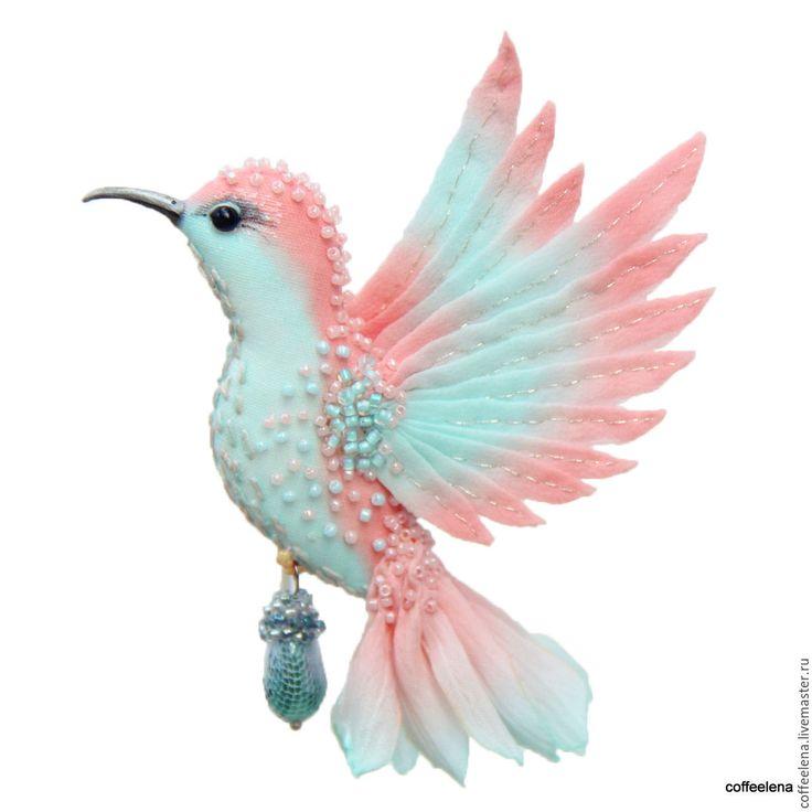 Купить Брошь-колибри «Ассоль». Шёлковая брошь-птичка. - коралловый, брошь птица, украшение для прически