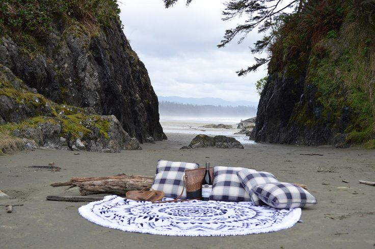 Long Beach - The Perfect picnic setup at one of out favourite hide aways at Long Beach in Tofino BC.