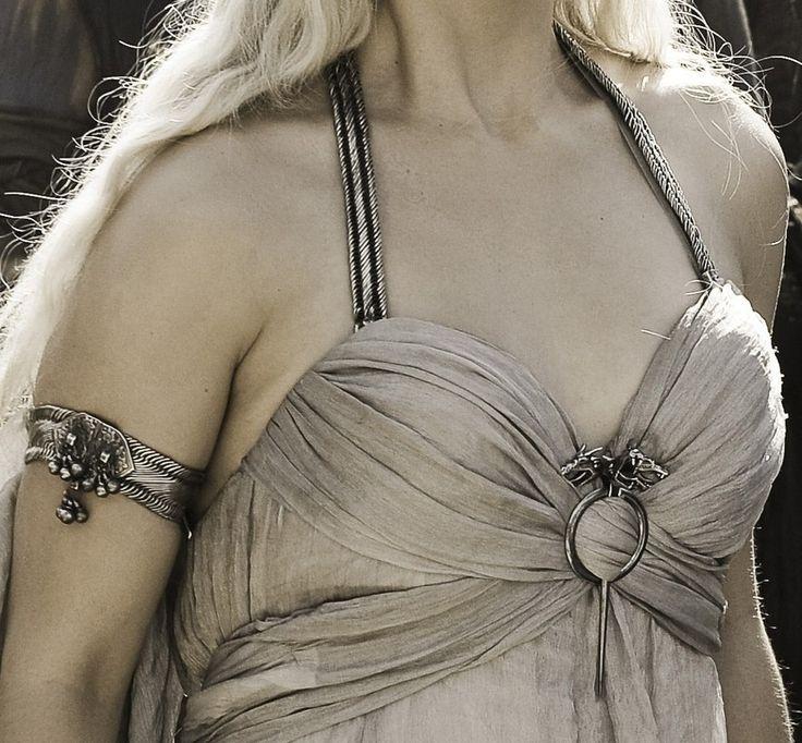 Daenerys targaryen wedding dress inspiration design for Daenerys targaryen costume tutorial