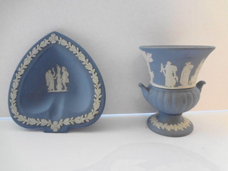 Vase/Urn, Dish Wedgwood Jasperware Blue - Vintage - 2 pieces by TresTresInteressant on Etsy