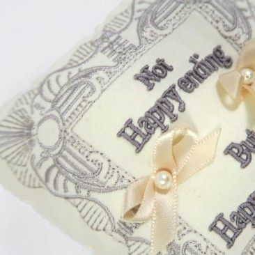 Embroidery classic Ring Pillow by Emby リングピロー、ウエディング Brial Pillow ,Wedding Ring Pillow