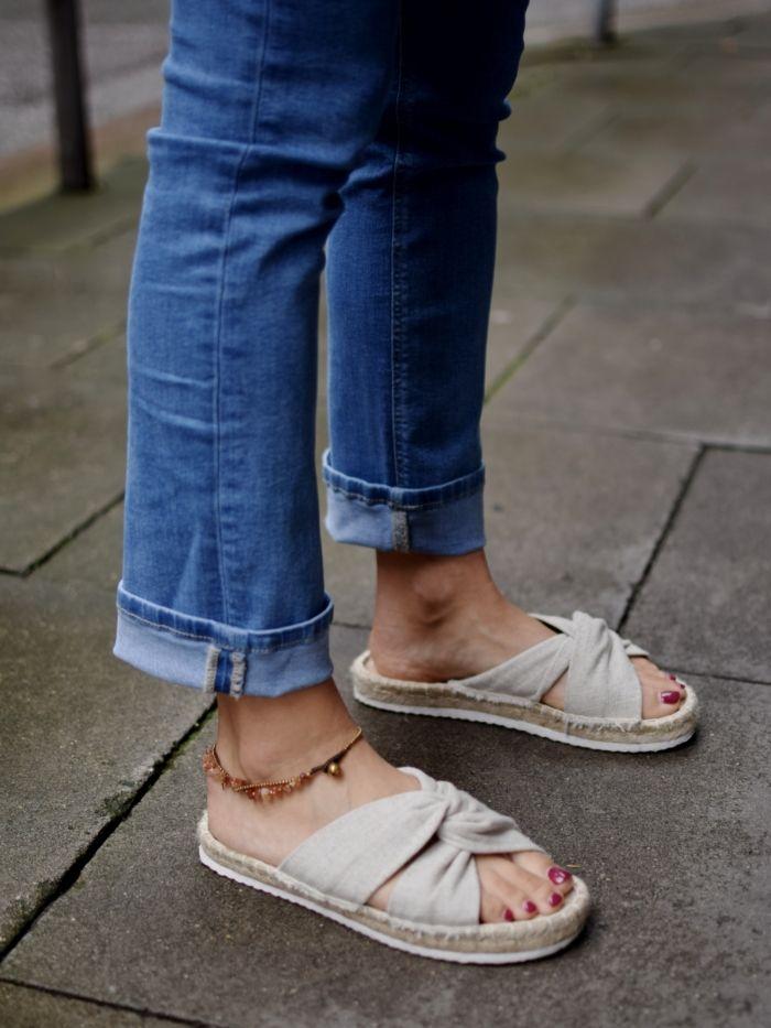 die besten 25 geflochtene sandalen ideen auf pinterest braune ledersandalen tan sandalen und. Black Bedroom Furniture Sets. Home Design Ideas