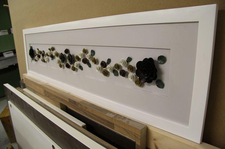 Heidin tilauksesta tehty taulu, harmaassa vähän hopea hippuja, koko n. 150x41 cm