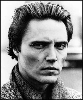 Walken... I do love those odd, wonderful faces...