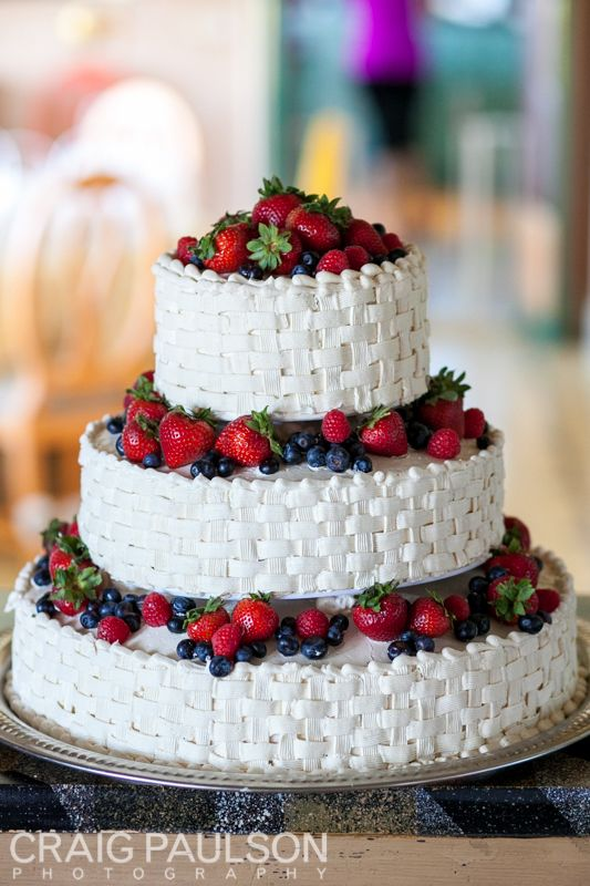 Don't you just want to dive into this fresh berry cake?