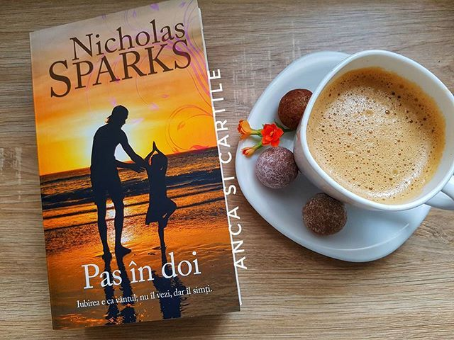 Currently reading  @libris.ro #nicholassparks #pasindoi #twobytwo #reading #blogger #bookaddict #booksofinsta #bookstagram #booksofinsta #books #book #carte #cecitesc #promovezlectura #promovezliteratura