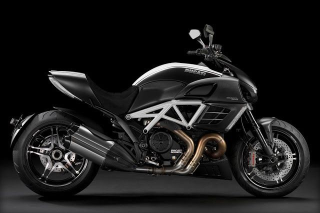 Ducati Diavel Cromo 2012 Motorcycle review, full specification, HD picture, price