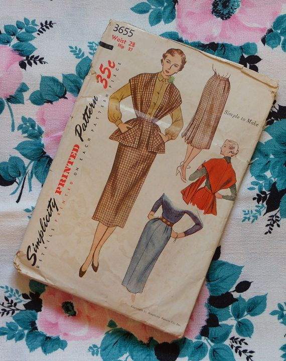 Vintage 1950s Sewing Pattern / Smart Simple Slim Wiggle Day Dress and Shaped Stole / Simplicity 3655 / 28 Waist
