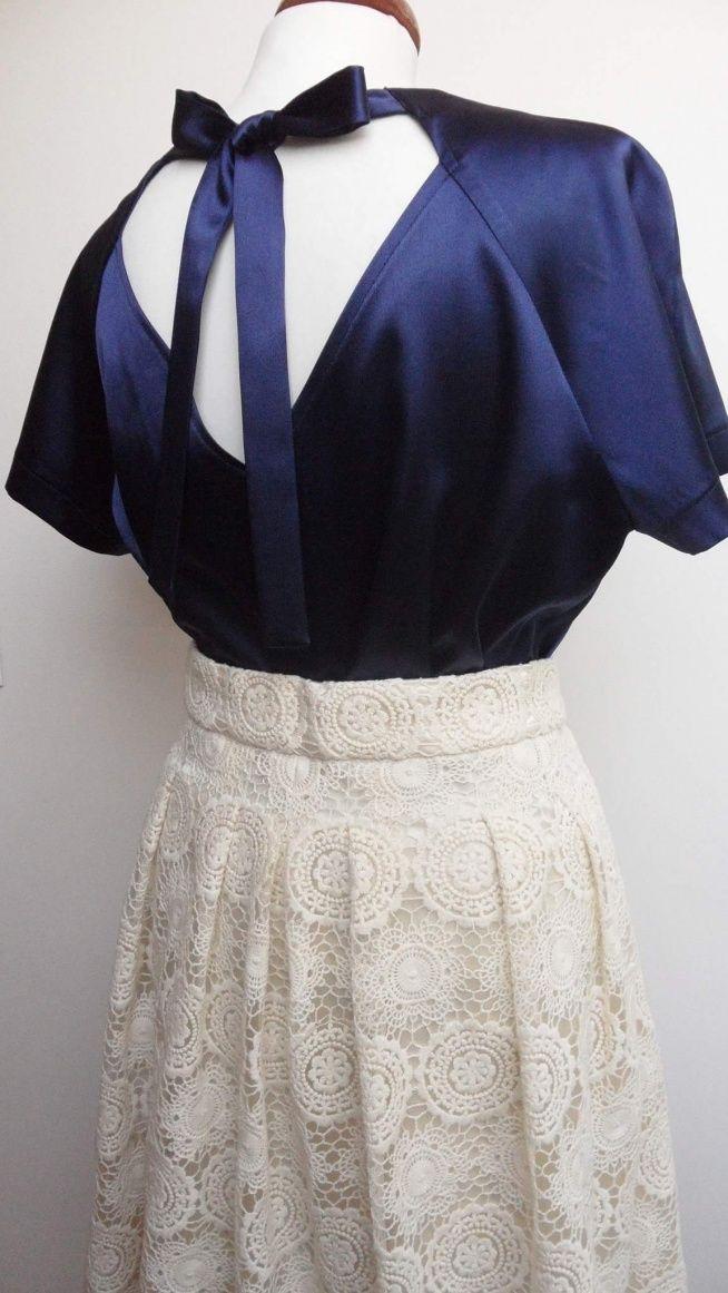 Satynowa bluzka i koronkowa spódnica. Po więcej zdjęć zapraszam na FB: @KushonaHandMade
