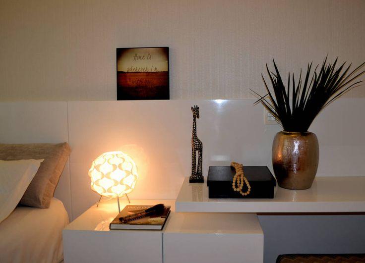 Navegue por fotos de Quarto translation missing: br.style.quarto.minimalista: . Veja fotos com as melhores ideias e inspirações para criar uma casa perfeita.
