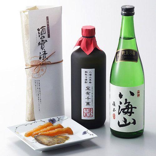 純米吟醸は米の旨みと、まろやかな喉ごしをおたのしみください。焼酎は3年以上の貯蔵により円熟したまろやかさと、日本酒特有の風味が一体化した、ふくよかな味わいです。酒の實漬けは、地元農家と完全契約栽培をした白瓜、きゅうりの塩漬けを清酒八海山の酒粕に漬け込み、仕上げに八海山大吟醸の粕をふんだんに使い、丹念に漬け込みました。