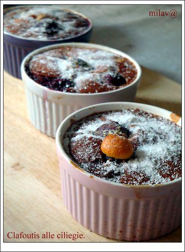 Клафути (фр. clafoutis ) — французский десерт, соединяющий в себе черты запеканки и пирога. Фрукты в сладком жидком яичном тесте, похожем на блинное, выпекаются в…