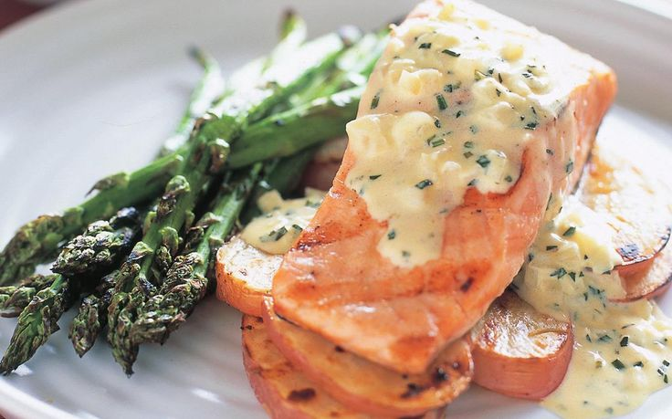 SALMON WITH TARRAGON SAUCE