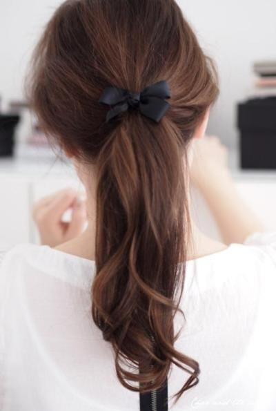 cute ponytail and boww!