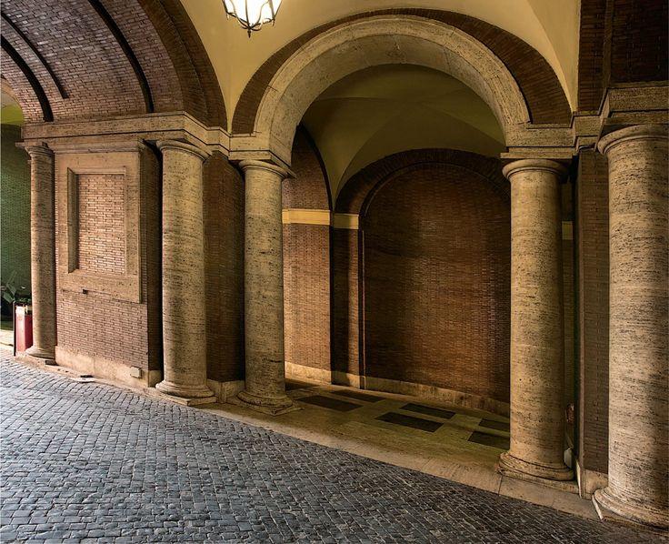 Atrio d'ingresso. Fotografie - Renato Cerisola © 2009 INAIL Tutti i diritti riservati