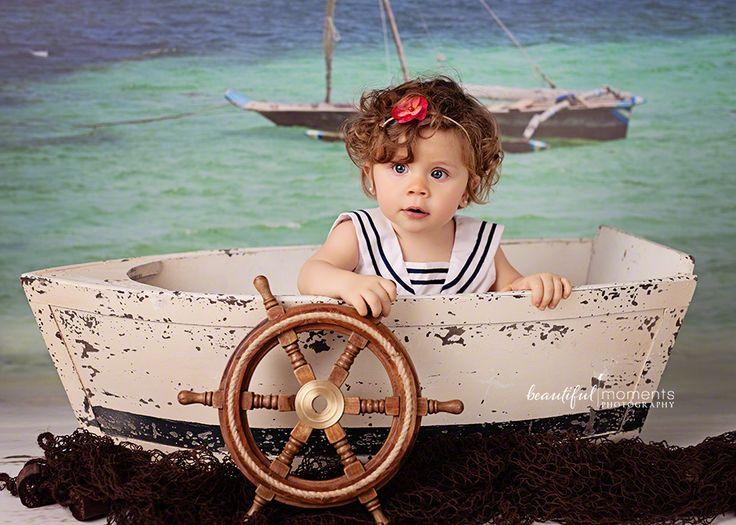 Beautiful Moments Photography - Stavanger Sandnes Ålgård Nyfødt Baby Fotograf #babybilder #coolbackground #coolprop #childrenpictures #fotografstavanger #cutegirl #jente #headband #boat #sailor