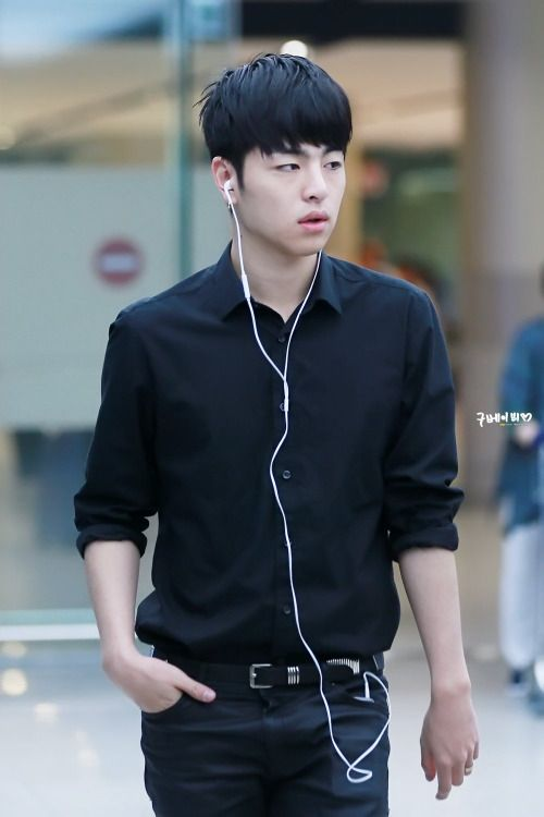 iKON Junhoe - omg... I feel guilty because I don't like to pin pics of idols on their own time because I want them to have at least some privacy in their lives.. but.. he looks soooooo good... I hope that pinning because he looks so utterly fuckable is an acceptable loophole..